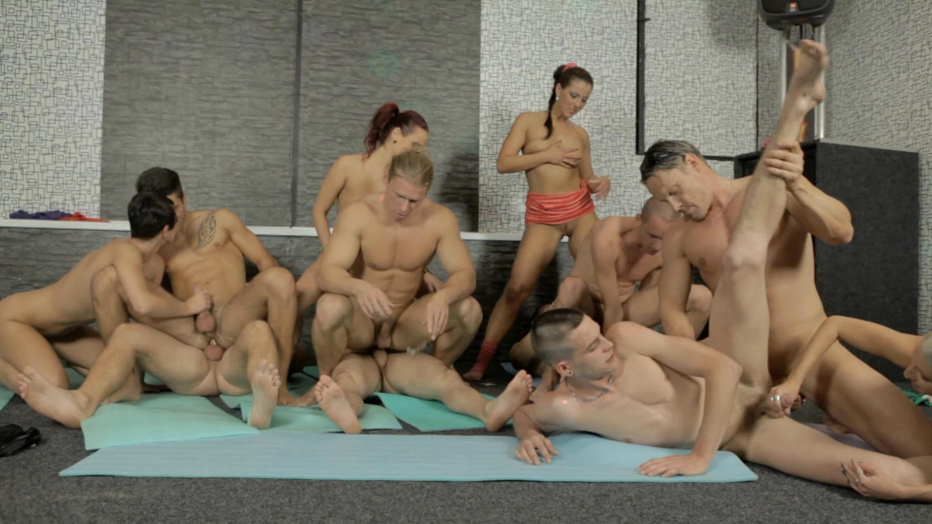 gruppovoy-seks-s-balerinami