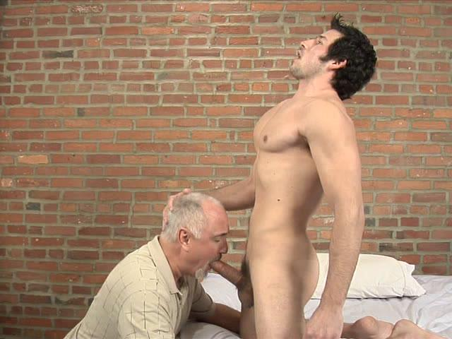 Leo Giamani Serviced Xvideo gay
