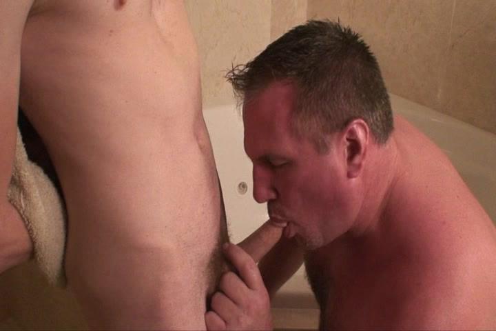 Daddy Mugs Barebacks Miami Xvideo gay