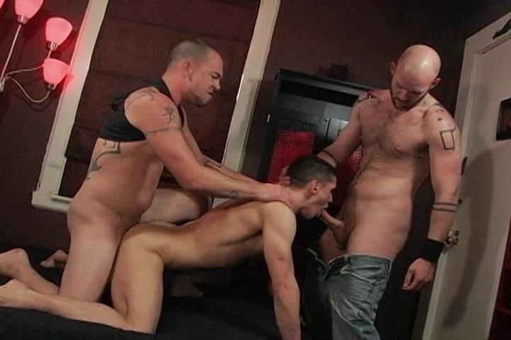 Bareback Bordello Xvideo gay