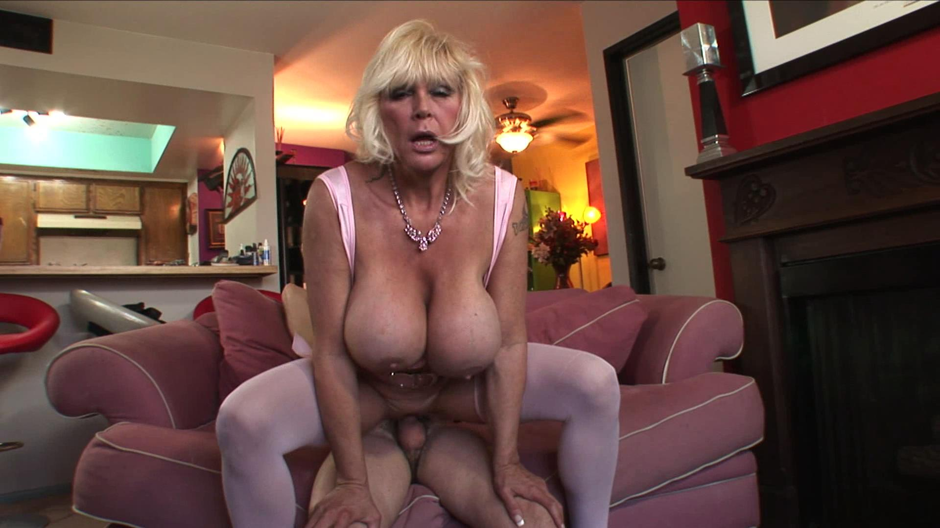 Horny Grannies Love To Fuck 2 xvideos150233
