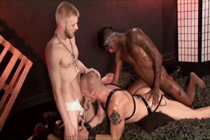 Pig Out Xvideo gay