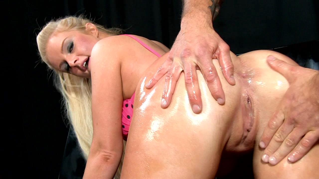 Oily Booty xvideos165067