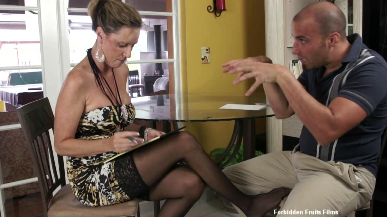 Hot MILF Footjobs xvideos165625