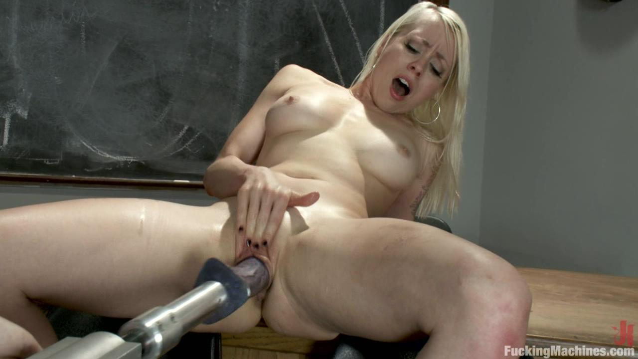 Fucking Machines: 15 Orgasms And One More For Good Luck xvideos165896