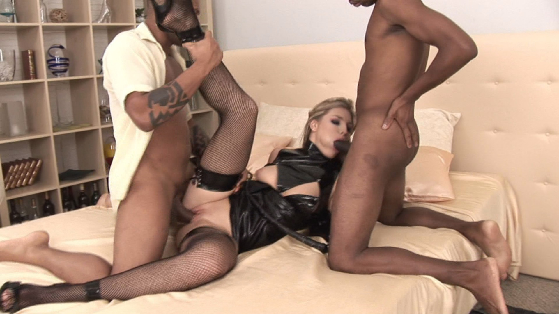 Blondes Look Good On Blacks xvideos168108