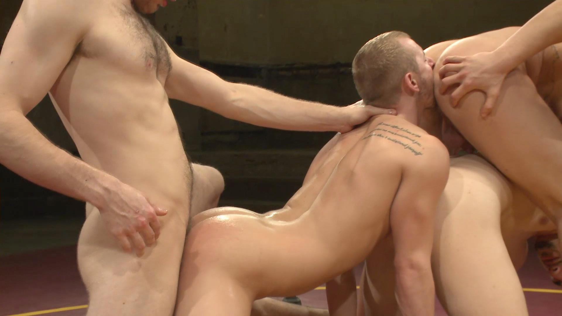 Naked Kombat: Steve Single-Round Sterling Vs Randall The Rock O