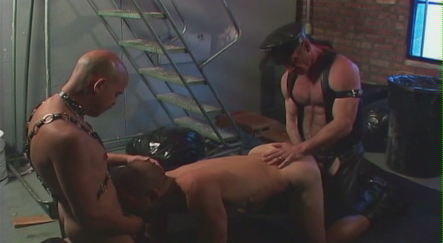 Bareback 3-Ways: Leather Men Xvideo gay