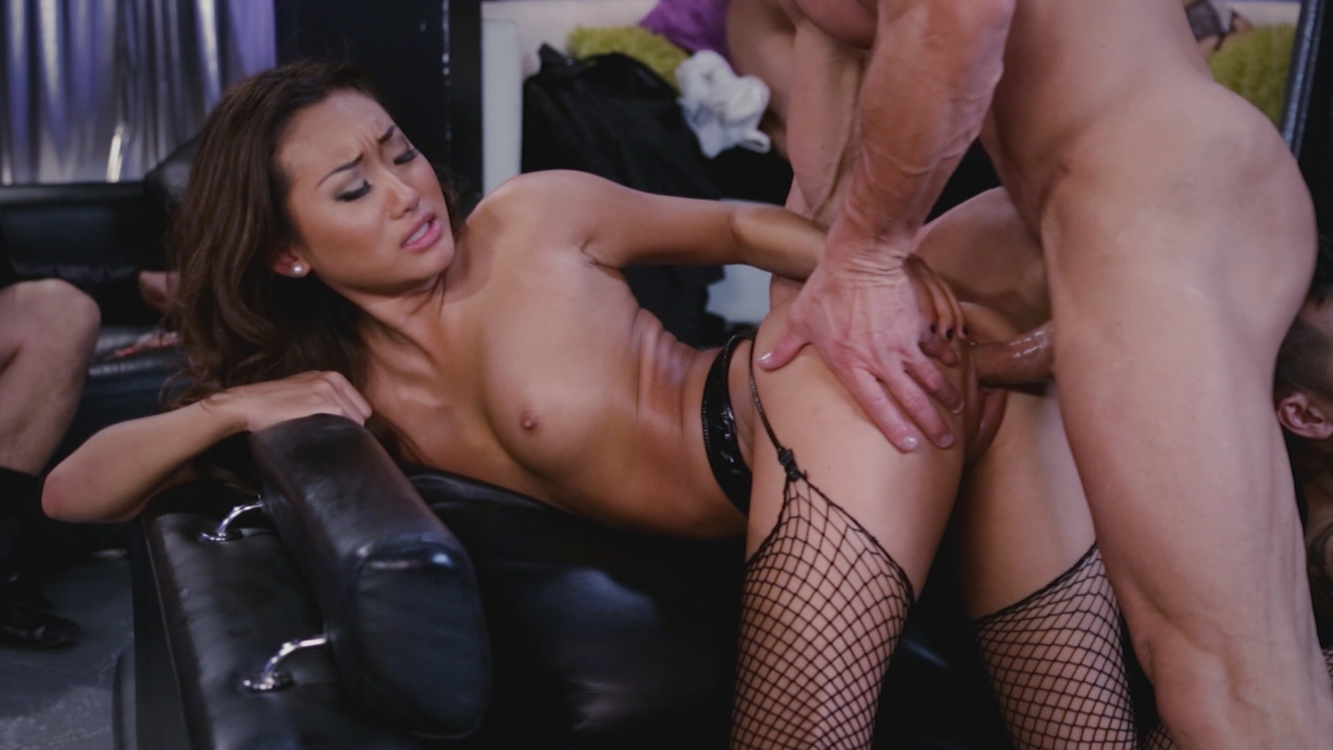 The Orgy Initiation Of Lola xvideos176383