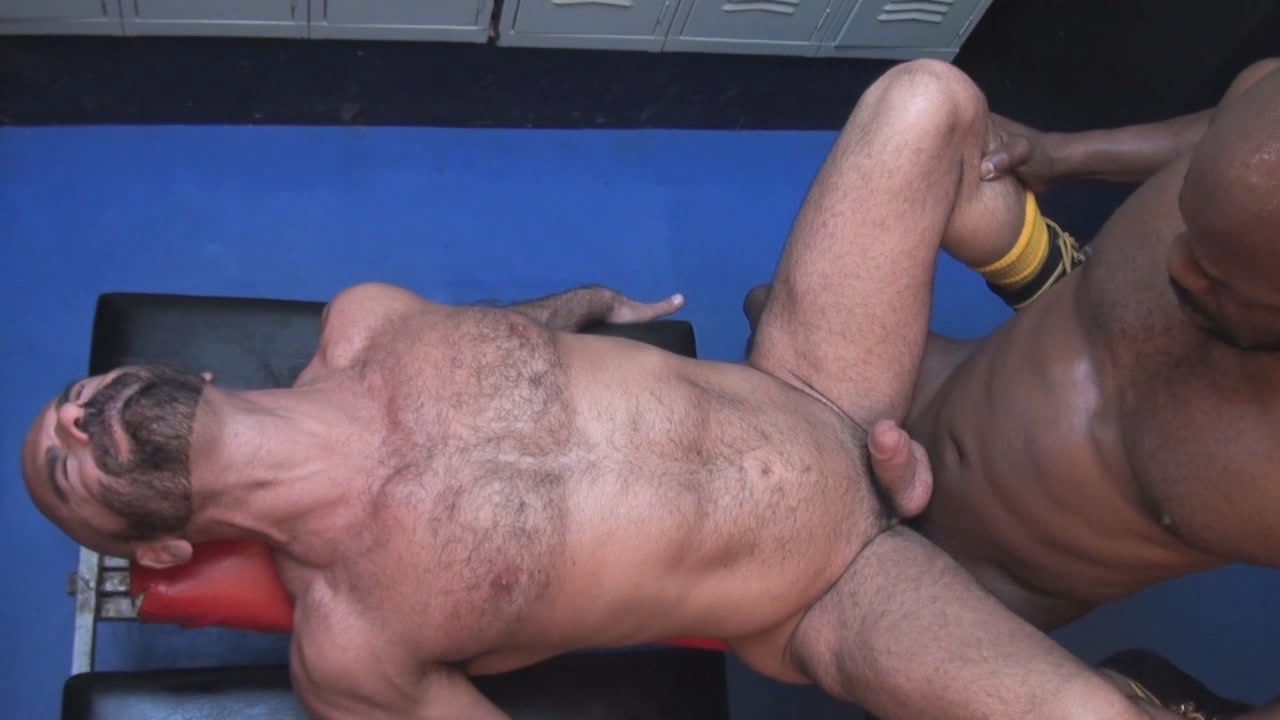 Big Cocks And Deep Holes Xvideo gay