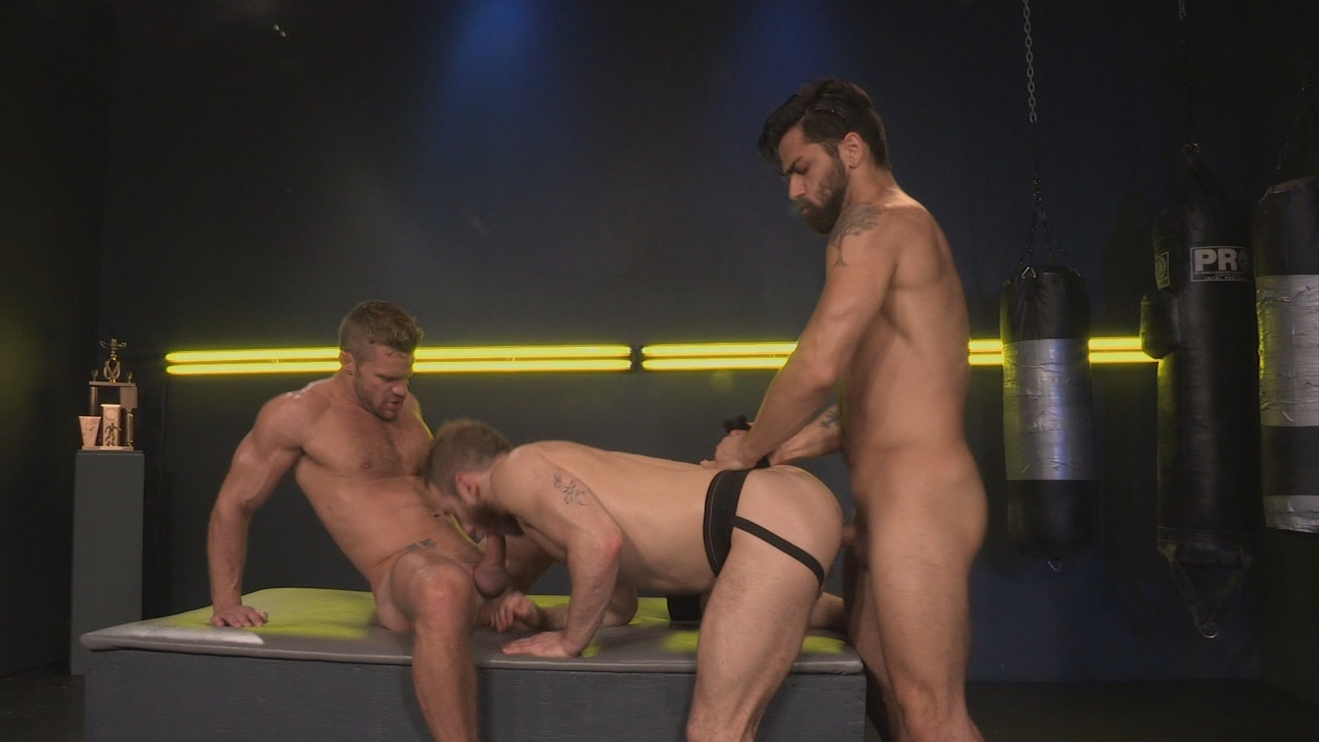 Cockfight Xvideo gay