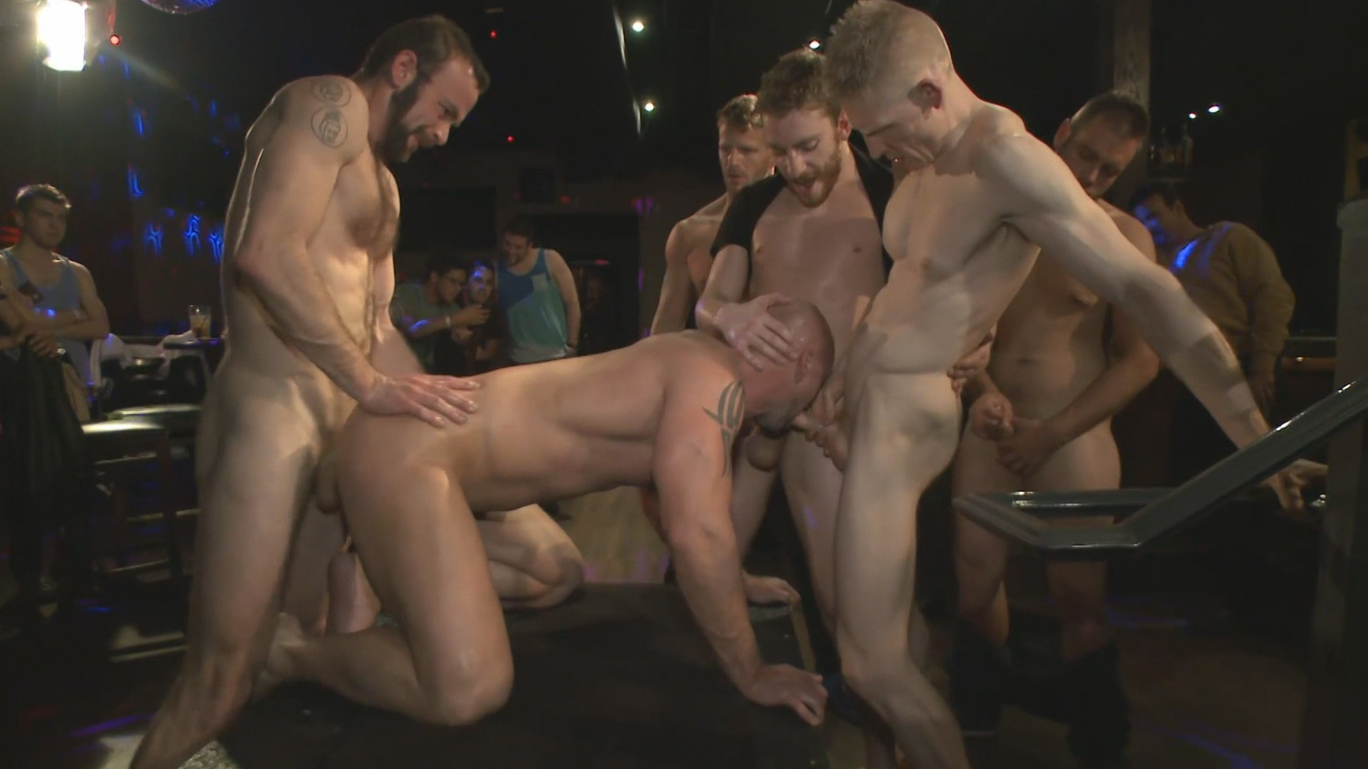 Bound In Public: Muscled Stud Has Had Enough But The Horny Crowd Says No Xvideo gay