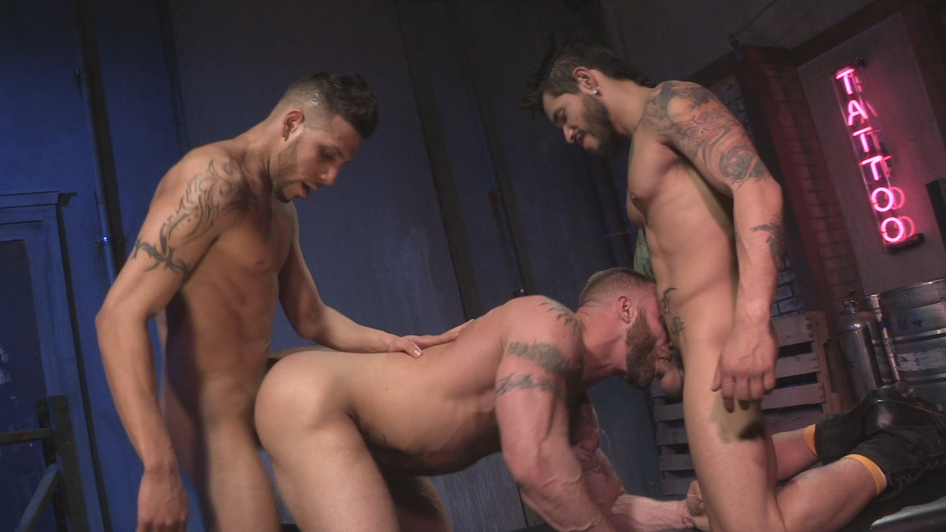 Under My Skin 2 Xvideo gay