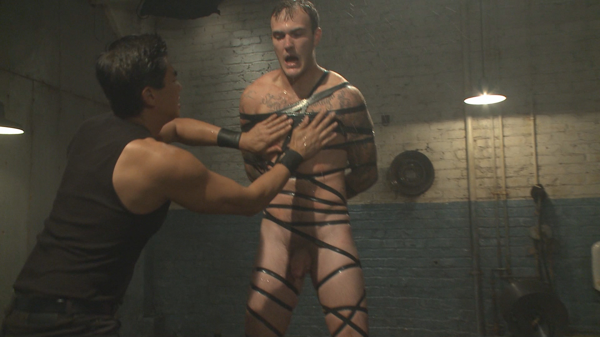30 Minutes Of Torment: House Dom Christian Wilde Takes The Ultimate Challenge Xvideo gay