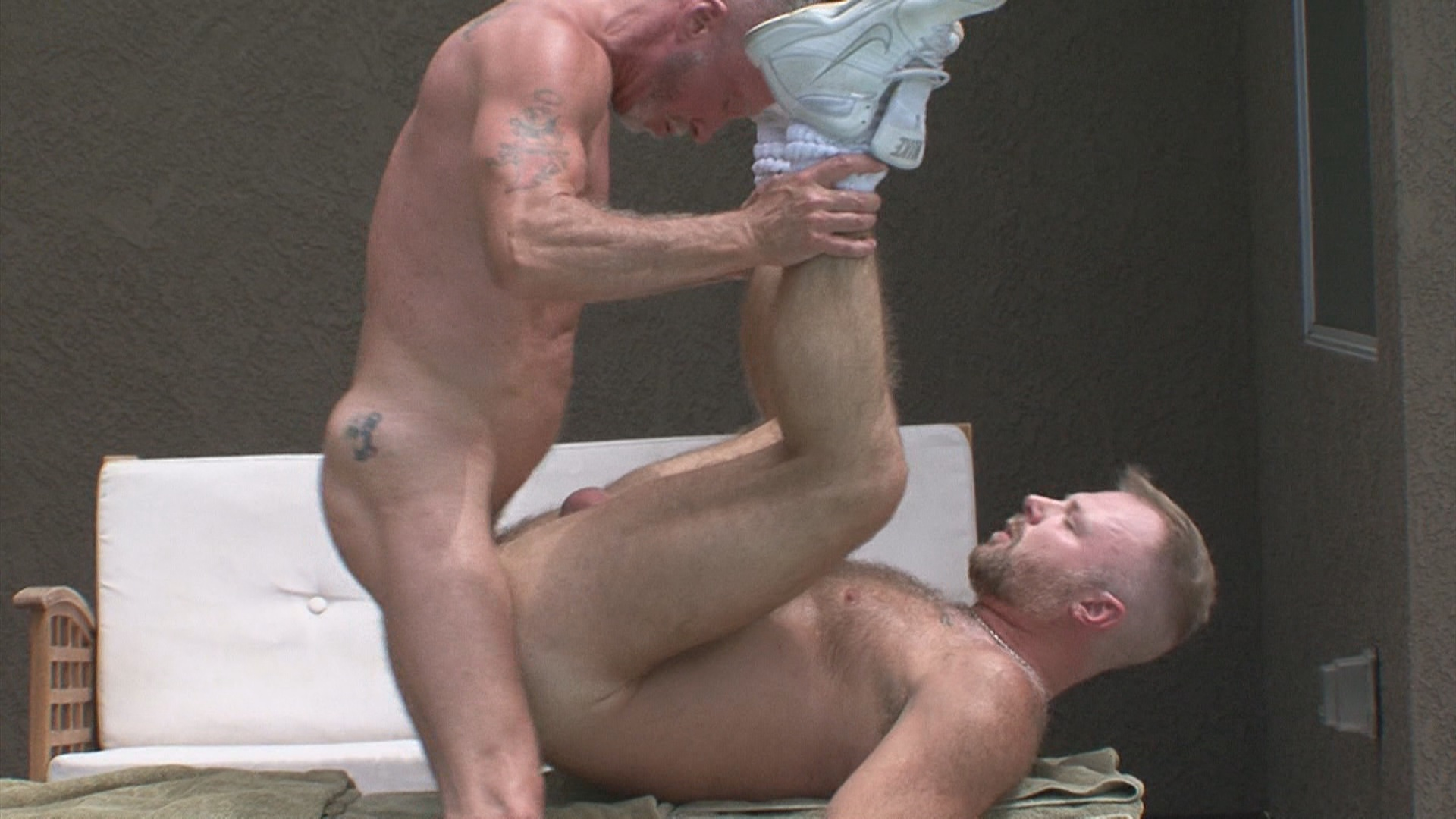 Real Men 32: Muscle Dads In The Sun Xvideo gay