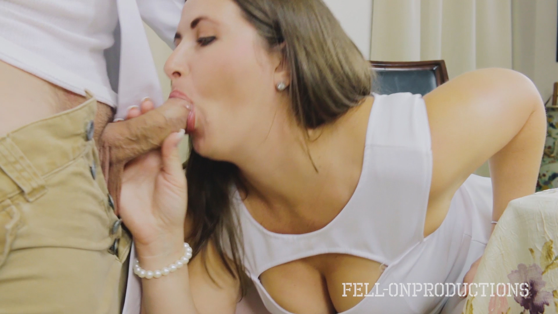 Cooking For Stepmom And Science Experiment Xvideos195387