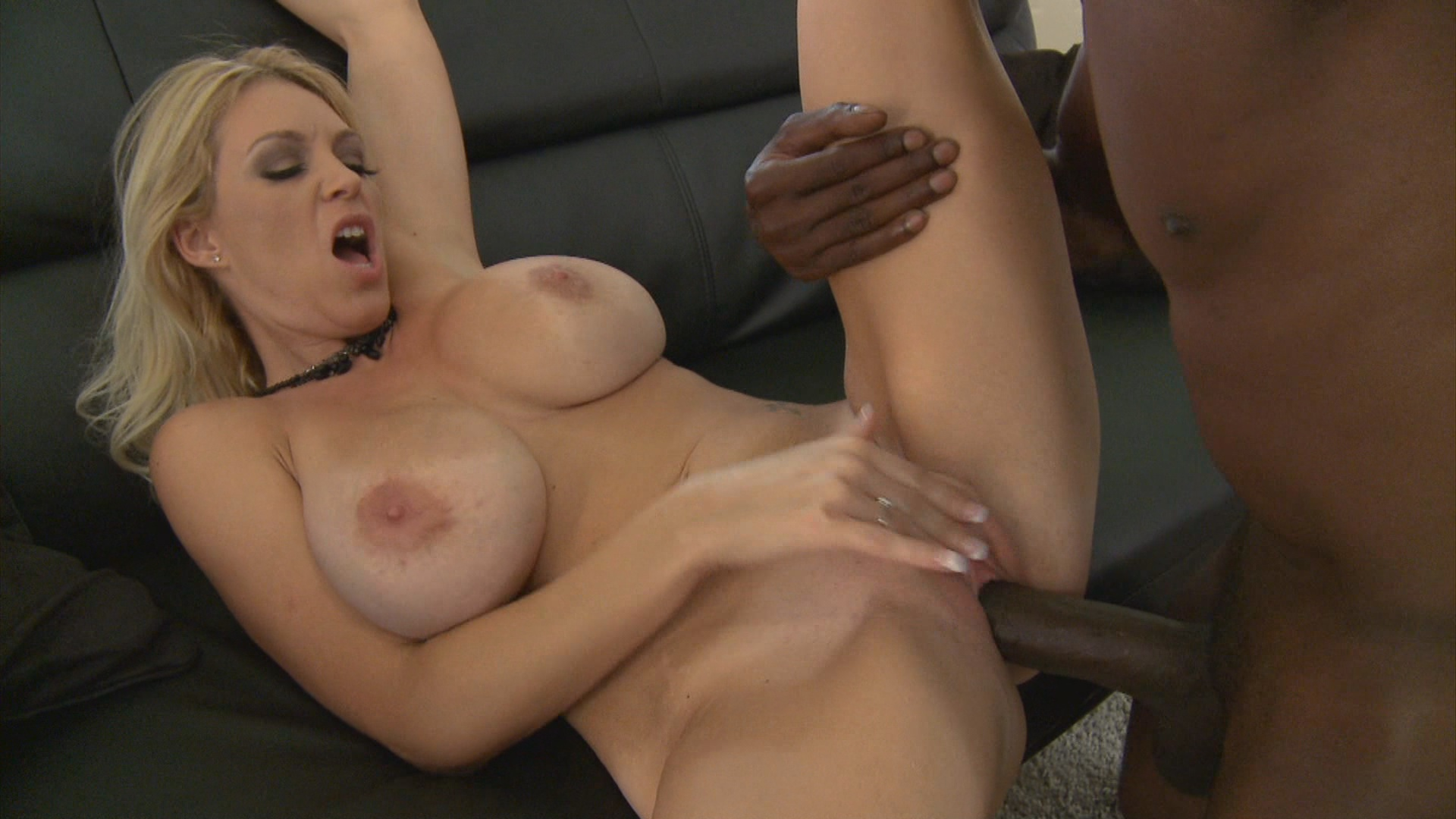 Milfs Like It Black 13